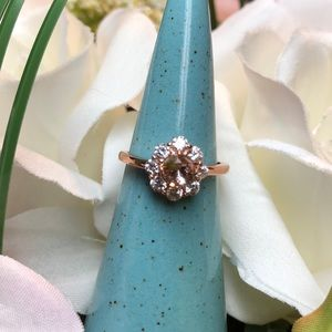 New! Rose gold flower ring/jewelry size 6
